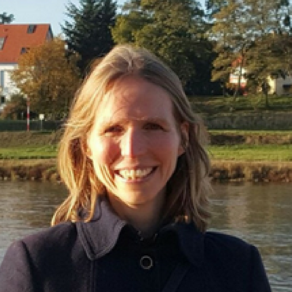 Nele  Hirsch